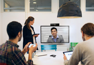 3 Questions to Ask When Choosing a Hosted Video Conferencing Platform